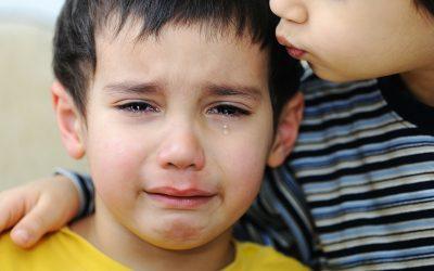 De pijn van het afgestaan zijn als oorzaak van een boze bui