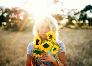 hsp meisje met zonnebloemen
